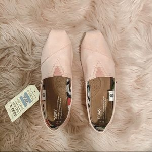 NWT Toms Canvas Shoes - Pink